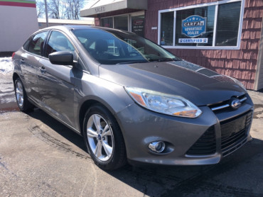 2012 FORD FOCUS SE Sedan - 6028 - Image 1
