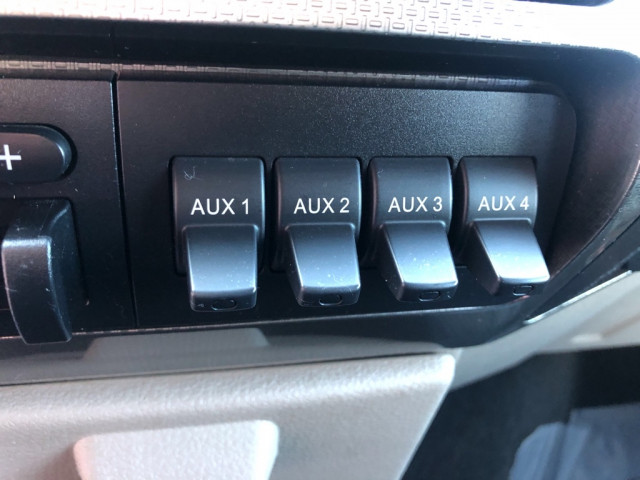 2008 FORD F350 FX4 - Image 27